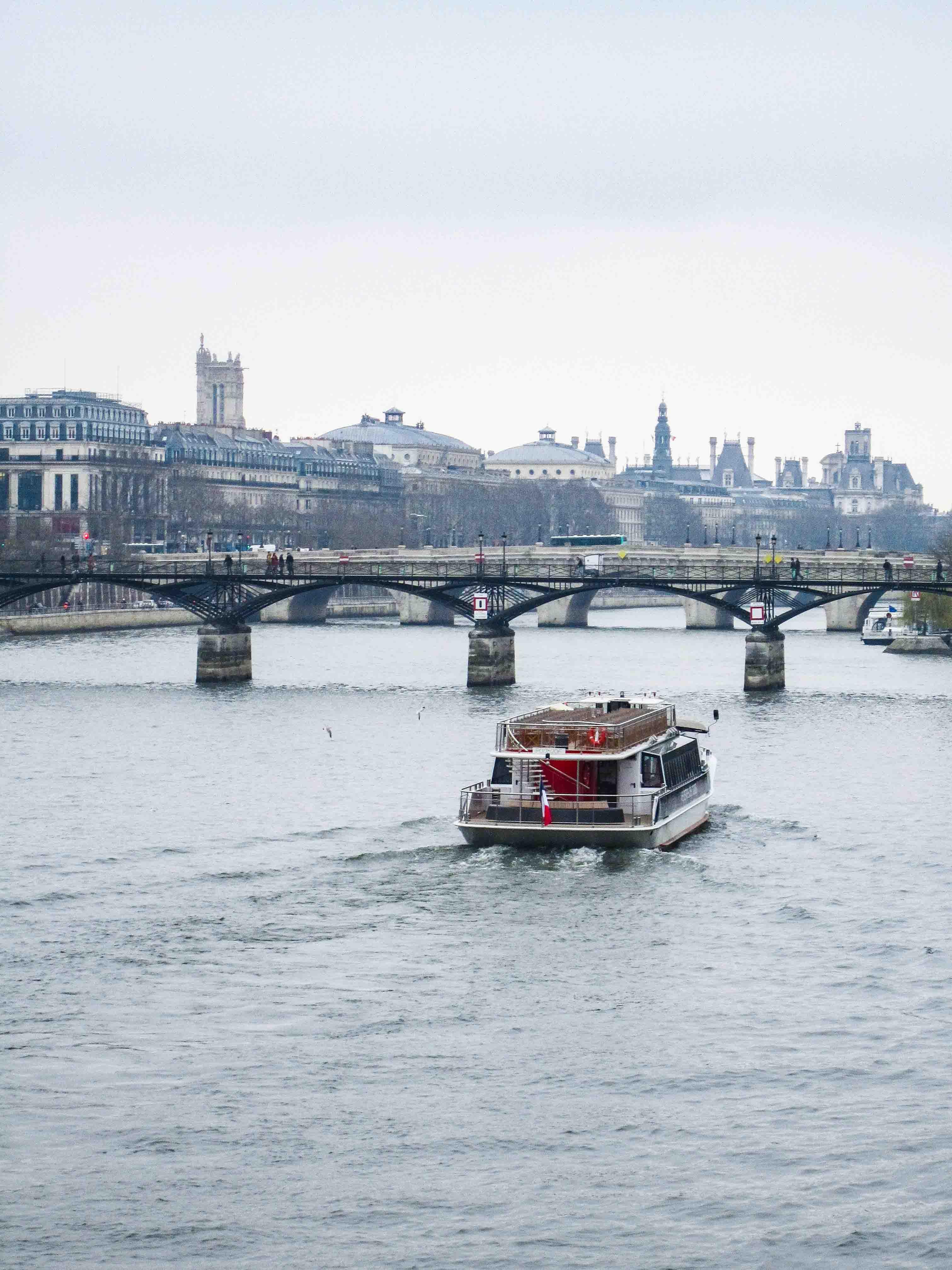 【フランス旅行】パリ セーヌ川を眺める